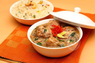 Kodaikanal Chicken Kolambu